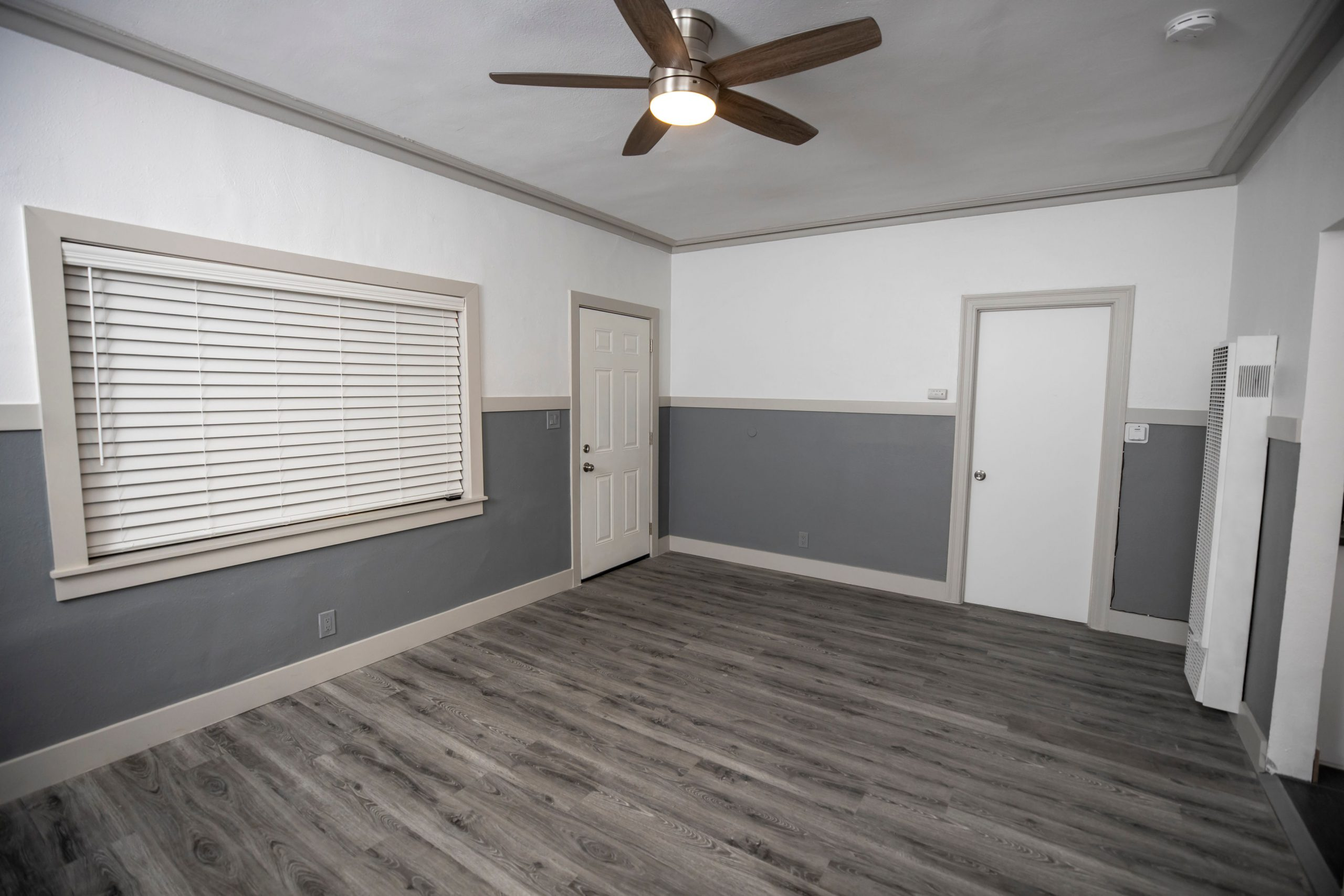 2525 #6 - Living Room2