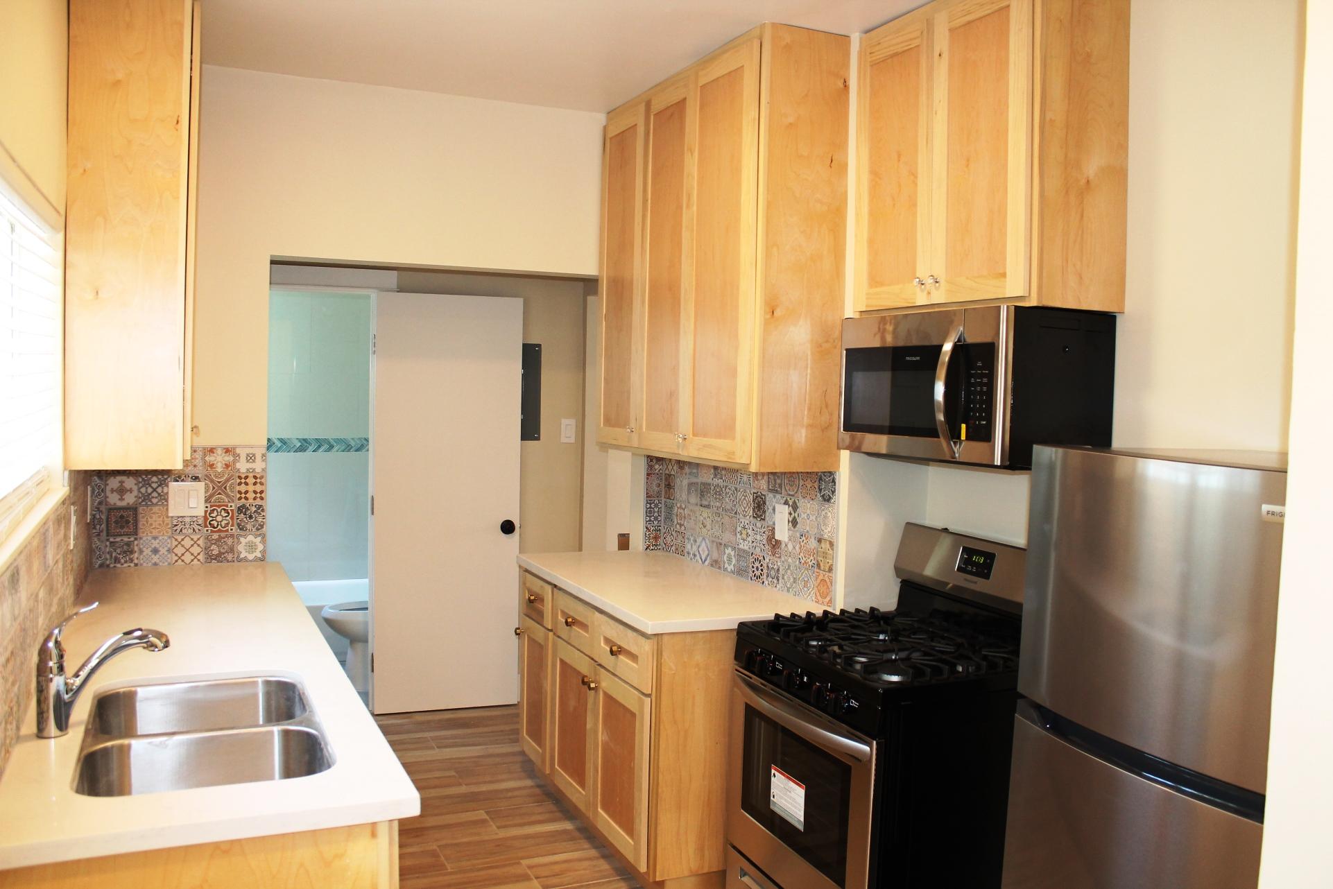 2525 E 10th St #7 - Kitchen2
